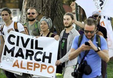 Pawai Suriah aktivis Eropa tiba di Serbia  Aktivis Eropa  Para aktivis perdamaian yang melakuan pawai internasional menuju Suriah telah tiba di kota Nis Serbia pada Kamis (13/4). Civil March For Aleppo ini diselenggarakan oleh aktivis asal Berlin menyerukan penghentian pemboman di negara Suriah dan memberikan bantuan bagi warga sipil. Mereka berencana menapaki jalur Berlin-Suriah dengan berjalan kaki. Gerakan dipimpin oleh aktivis dan jurnalis Polandia Anna Alboth. Ia mengundang kalangan…