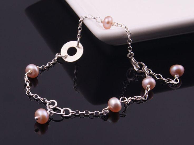 Delikatna bransoletka z łososiowych pereł w Monle na DaWanda.com