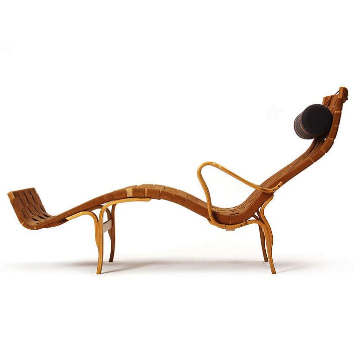 Pernilla 3 chaise longue by Bruno Mathsson, 1944. Produced by Bruno Mathsson Ab, Sweden. Material steam-bent laminated beech, canvas and lea...