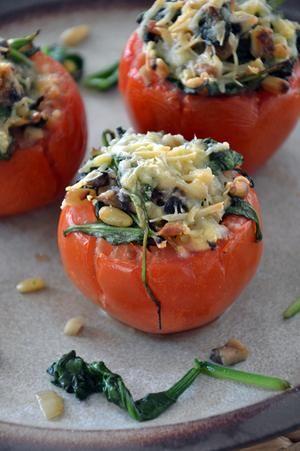 Bekijk de foto van BrendaKookt met als titel Tomaten gevuld met spinazie en champginons, lekker als voor- of bijgerecht en andere inspirerende plaatjes op Welke.nl.