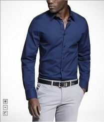 Áo sơ mi nam màu xanh đen của hãng Express. áo tay dài dạng ôm eo. Áo mặc thoải mãi do có chất liệu thun. Size S mặc vừa với những bạn có chiều cao khoảng 1m65, nặng khoảng 63kg đến 67kg.