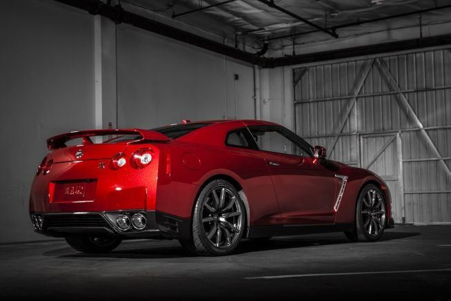 2015 Nissan GT-R Images | Pictures and Videos