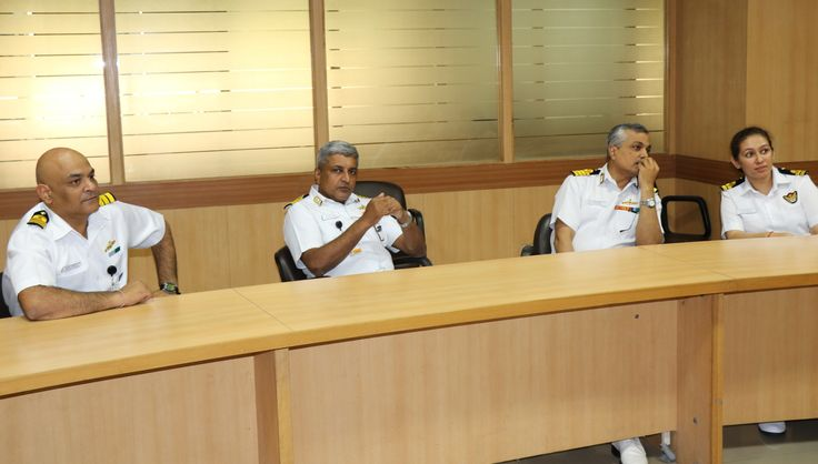Indian Navy Recruiter panel | The well-decorated officers from Indian Navy assessed the knowledge of the aspirants in different aspects with the rounds such as Group Discussion, Personal Interaction, etc.