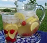 Raspberry lemonade sangria: Wine Recipes, Yummy Drinks, Fave Recipes, Raspberries Lemonade Sangria, Drinks Recipes, White Wine Sangria, Raspberries Sangria Lemon, Food Drinks, Sangria Recipes