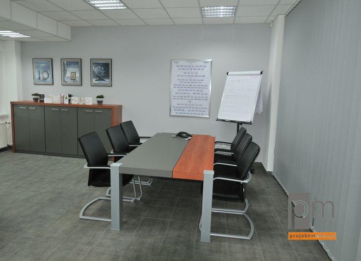 Stół konferencyjny Vero więcej pomysłów na http://www.projektmebel.pl/realizacje/magna-formpol