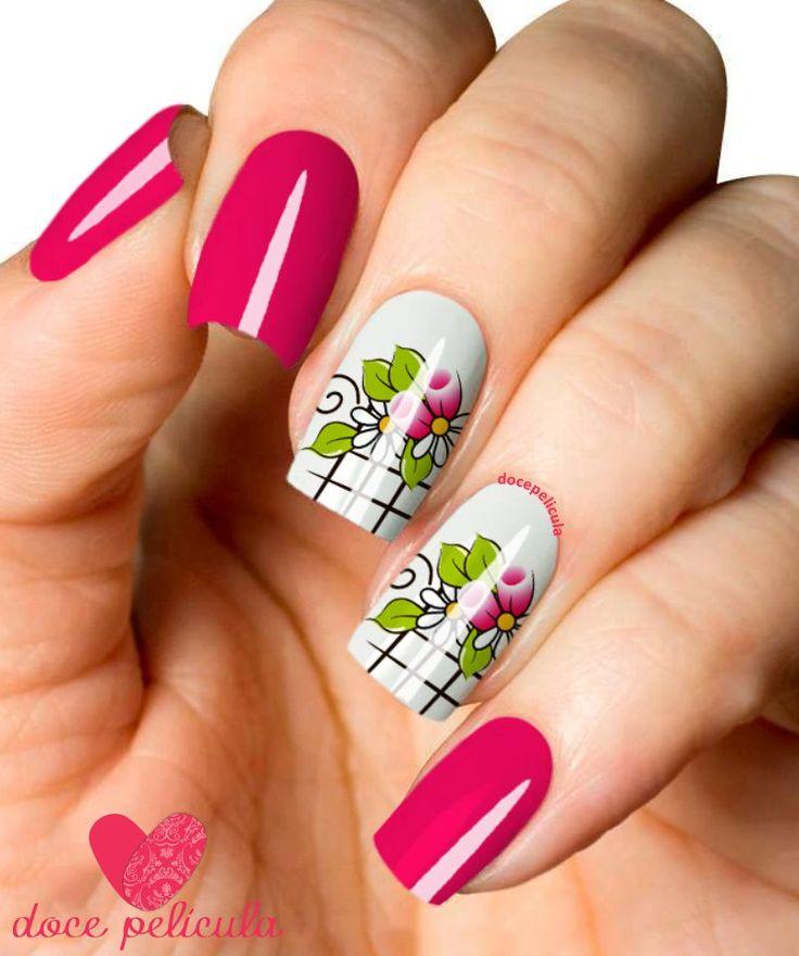 Películas ou Adesivos de Unhas Modelo Rosas com Folhas Verdes