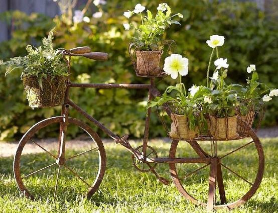 reciclando una bici para decorar tu jardn bicicleta jardn