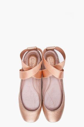 Chloe Ballet flats! DYING FOR THESEChloe Shoes, Point Shoes, Gold Ballerinas, Ballerinas Fashion, Chloe Ballet Flats, Ballet Shoes, Chloe Flats, Ballerina Flats, Chloe Gold