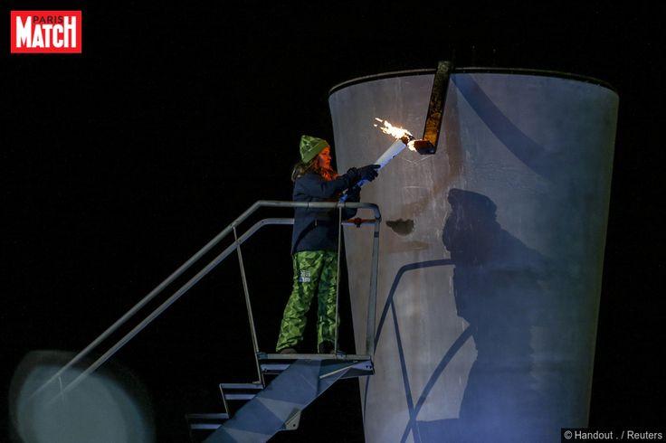 La famille royale de Norvège était mobilisée ce vendredi à Lillehammer pour l'ouverture des Jeux olympiques de la jeunesse (JOJ) 2016. Et c'est la petite princesse Ingrid Alexandra, la fille du prince héritier Haakon et de la princesse Mette-Marit, qui a allumé la torche olympique.