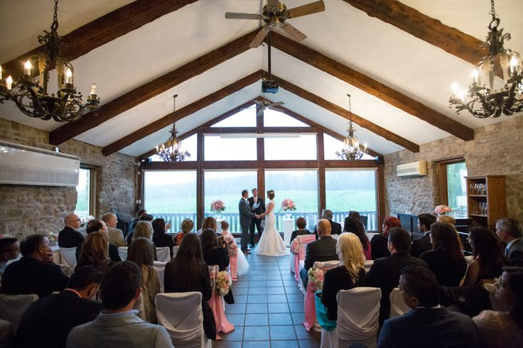 Vineland Estates wedding ceremony in Carriage House
