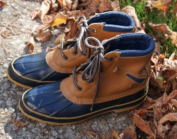 Vintage Navy Blue Duck Boots Mens 6 Womens 7 by hipandvintage, $20.00