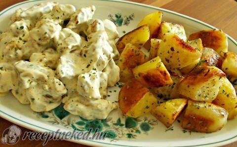 Gyömbéres-tejfölös hús oregánós, tepsis krumplival recept fotóval http://receptneked.hu/egytaletelek/gyomberes-tejfolos-hus-oreganos-tepsis-krumplival/