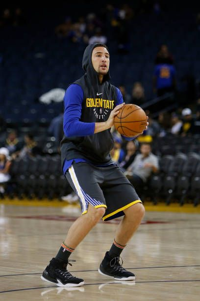 Klay Thompson of the Golden State Warriors warms up before the game against the Los Angeles Clippers at ORACLE Arena on February 22 2018 in Oakland...