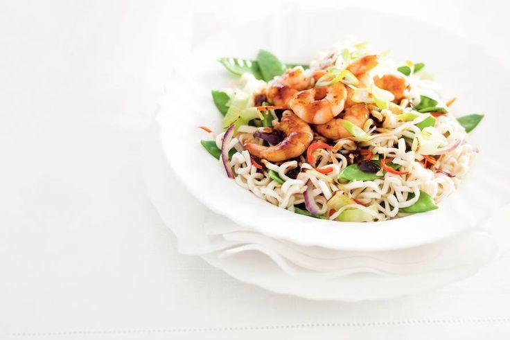 Noedels met garnalen in woksaus - Recept - Allerhande