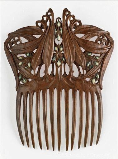 1905-1910 гг. Paul Follot polychromed wood Comb for Hair