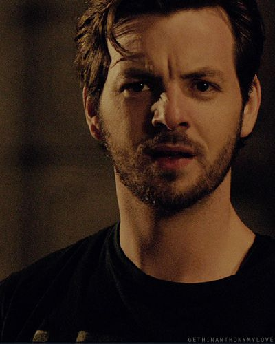 its nice when serial killers are casted by attractive people -gethin anthony as charlie manson