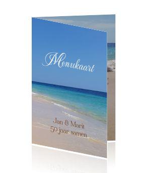 Een originele menukaart voor een zomer feest met de zee en het strand voor een jubileum maken.