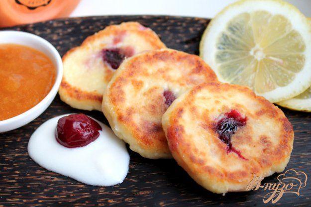 Сырники с вишней - пошаговый рецепт с фото