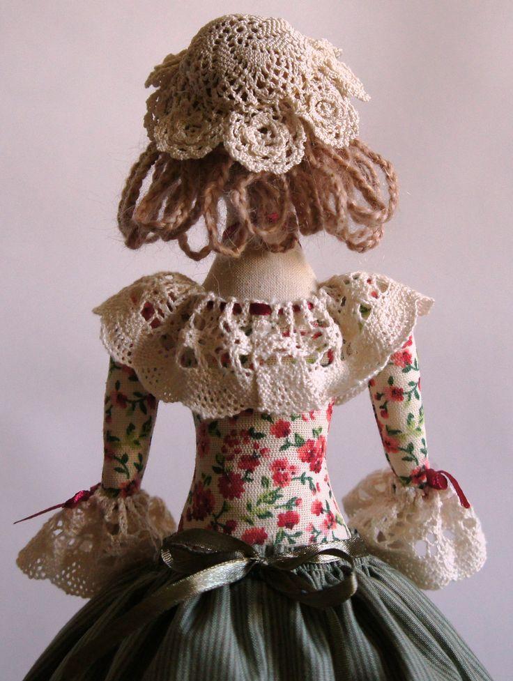 Кукла текстильная ручная работа Чайная Барыня в зеленом (грелка на чайник)  Fiva