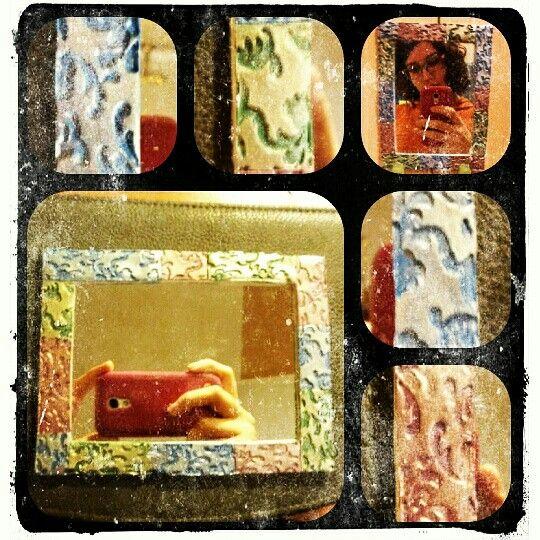 Specchio #salerenacrea #salerena #handmade #hechoamano #fattoamano #artigianale #artesanal #pastepolimeriche #polimerclay #arcillapolimerica #fimo #premo #bisuteria #jewelry #gioielli #bigiotteria #murrina #millefioricane #modellare #creazioni #creations #passion #art #freshpassion #youngartist #pretaporterart #chic #top #moda #accessori #accesorios #abalorios #monili #oggettistica #specchio #riflesso #pigmenti #texture #mirror #espejo #reflejos