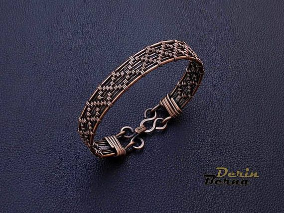 Wire wrapping handmaded copper men , women , unisex bracelet . Can be used as an arthritis pain copper bracelet *** Free Shipping with Priority Airmail Service with tracking number included Please leave your desired wrist size measurement at checkout . Please feel free to contact me with