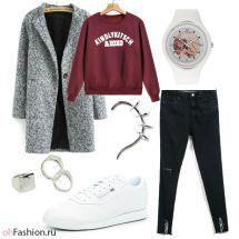 Уличный лук. Свитшот, рваные джинсы и пальто