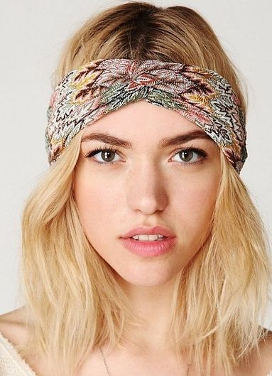 how to wear a headband on your forehead