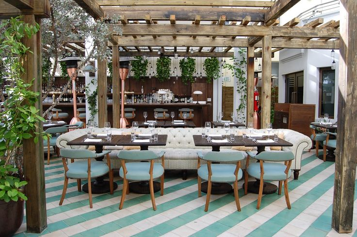 Cecconi's restaurant in Miami Beach. Absolute perfect color palate, loving the raw natural wood and plush fabrics House Miami,  Eating House'S, Miami Beach, Beach Houses, Soho Beach, Soho House, Restaurants, Cecconi, Design