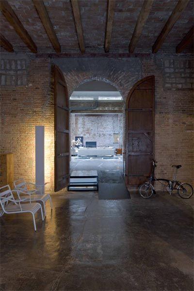 Great loft space in Barcelona.: The Doors, Design Interiors, Interiors Design, Barcelona, Loft Spaces, Woods Doors, Design Studios, Industrial Loft, Loft Design