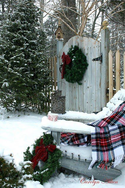 simple Christmas decorating for the yard