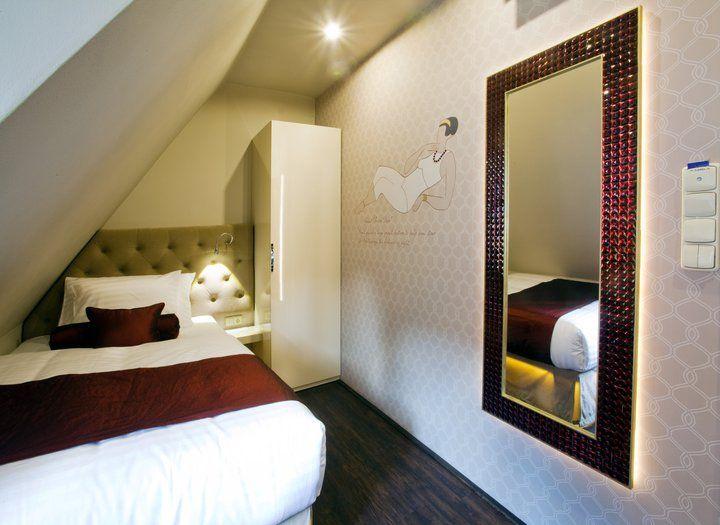 Single Room - Garnet