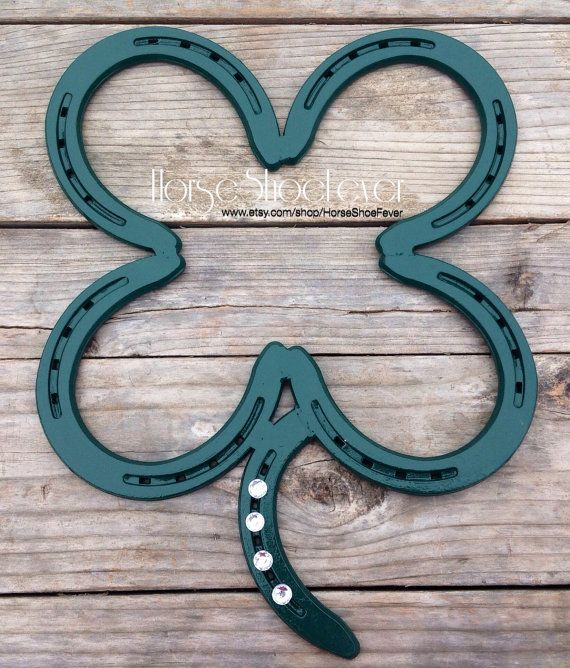 Lucky 4 Leaf Clover. Welded Horseshoe Art. by HorseShoeFever