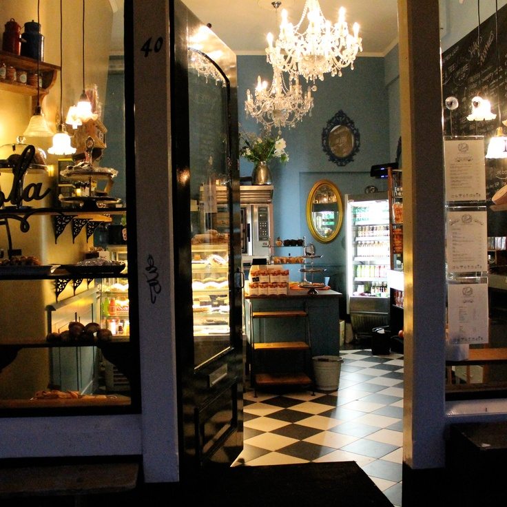 Best 25+ Cake shop interior ideas only on Pinterest | Bakery shop ...