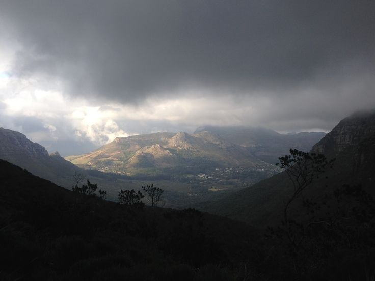 Hout Bay from the start of Disa Gorge above Orange Kloof.