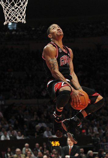 D-Rose Dunks All Over MSG; Bulls Beat Knicks, Tie Spurs for Best Record
