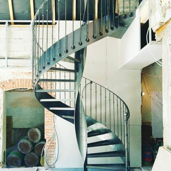 les 8966 meilleures images propos de escalier d coration. Black Bedroom Furniture Sets. Home Design Ideas