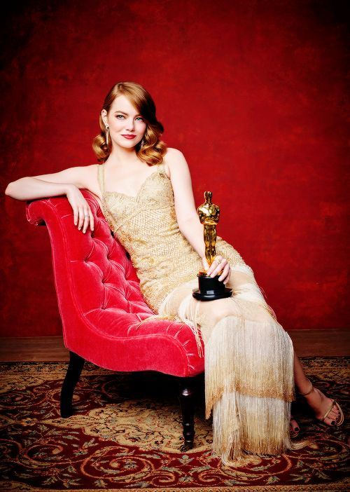 Emma Stone winner of the award for Actress in a Leading Role for 'La La Land' during the 89th Annual Academy Awards on February 26, 2017 Pinned by @lilyriverside