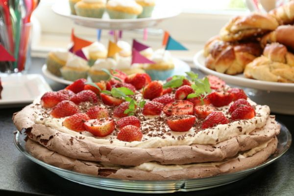 chocolate pavlova with creamed mascarpone and strawberries