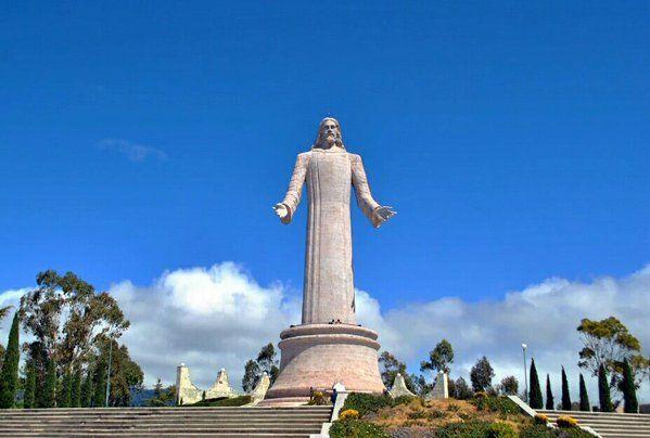 Desde el monumento a Cristo Rey observa una de las panorámicas más bellas de #Pachuca. #Hidalgo #VíveloParaCreerlo