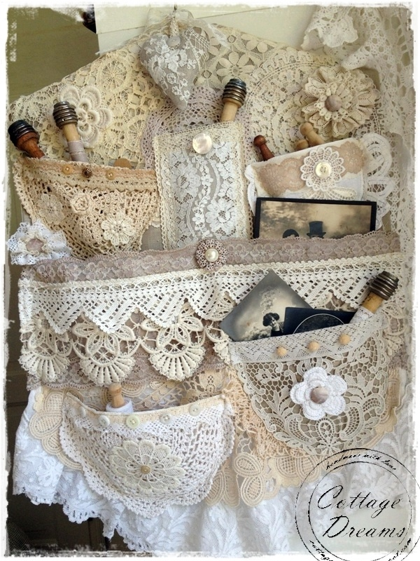 ❥ beautiful shabby lace hanger: