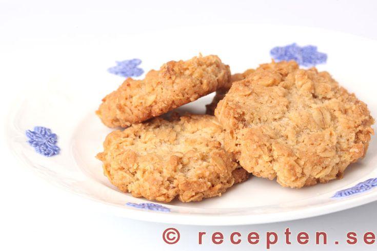 Havrekakor - Recept på havrekakor. Klassiska, enkla och goda kakor. Tydlig beskrivning med bilder steg för steg.