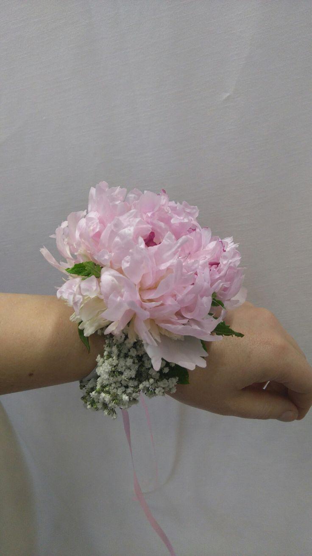 Květinový náramek pro svědkyni od Trendy florist s.r.o.
