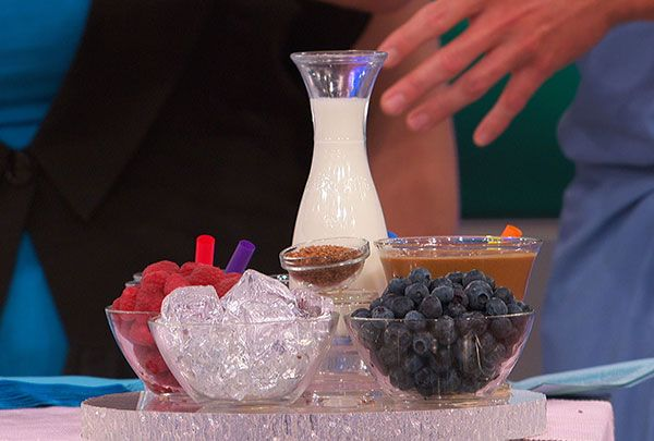 Think you don't have time to make healthy choices? The Doctors share their recipe for the Flat Belly Frappé, a nutritious smoothie you can make in about two minutes!