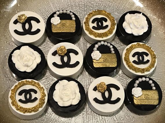 Chanel Black White and Gold Chocolate Covered Oreos