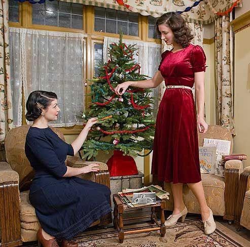 British War Time Christmas Beauty Tips for Women in 1941 | Glamourdaze