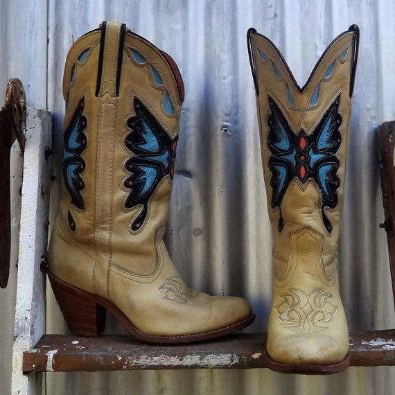 1000  images about Cowgirl boots on Pinterest | Swing skirt ...