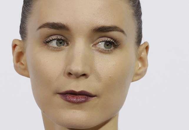 <p>Rooney Mara saltó a la fama por su papel de chica misteriosa y solitaria en Los hombres que no am... - zeleb.es