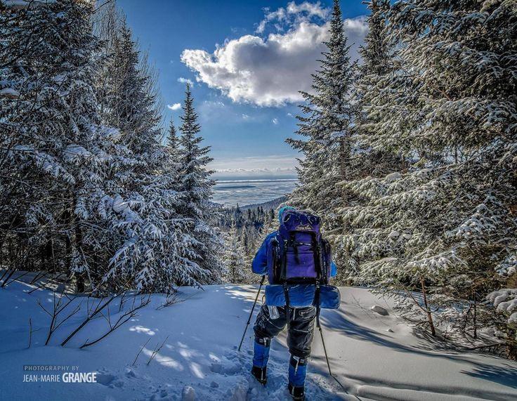 Le Sentier des caps de Charlevoix est un magnifique parcours en forêt pour découvrir ou redécouvrir les pistes de ski de fond et de raquette de la région. Ouvert jusqu'au 3 avril !