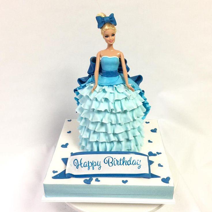 ブルードレスケーキ👗 #バービー #ブルードレス #ドレスケーキ #barbie #barbiedoll #barbiecake #dollcake #dress #dresscake #gateau #cake #torte #ケーキ #🇯🇵
