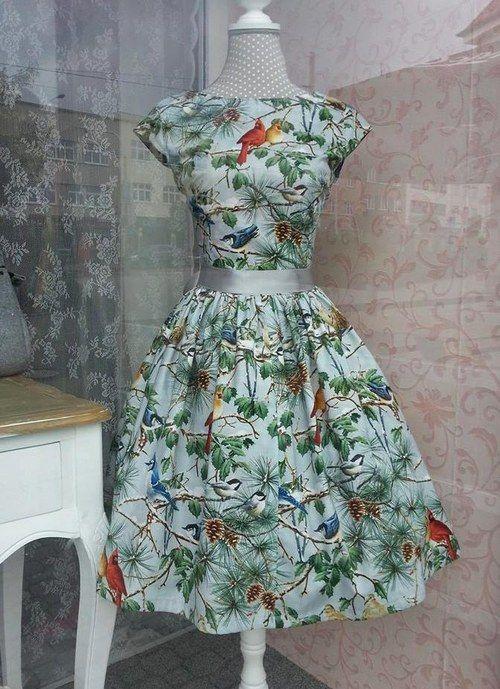 krásné šaty :P